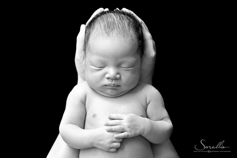 Newborn_Classic Black_hand