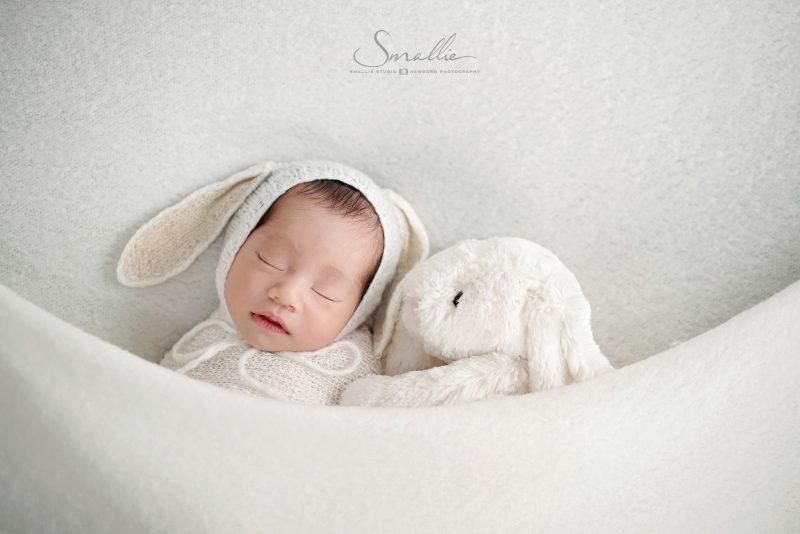 Newborn_Classic White_tie